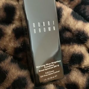 Bobbi Brown Skin Long-Wear Weightless Neutral Sand
